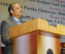 Principal Secretary of Education Shri Vivek Kumar addressing at the Conclave on February 24, 2015